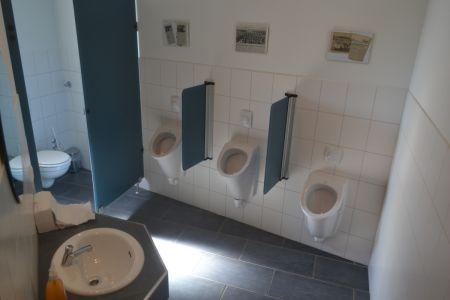 73-Hern WC
